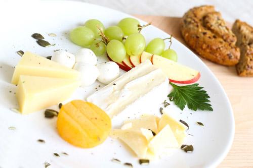 Comment découper le fromage ? Découpage brie fromage rond